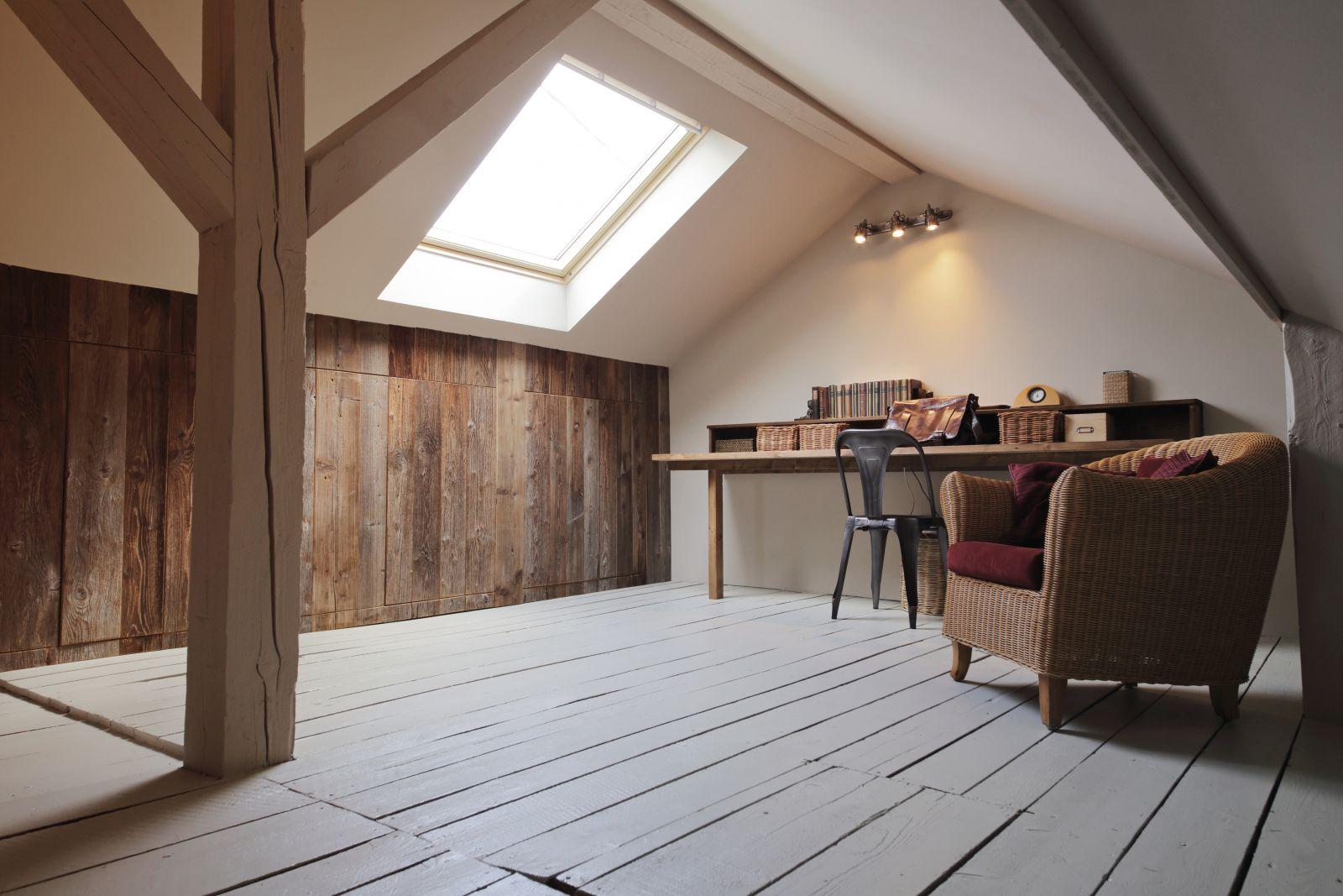 agencer son int rieur lorsque l 39 on dispose de combles guide artisan. Black Bedroom Furniture Sets. Home Design Ideas