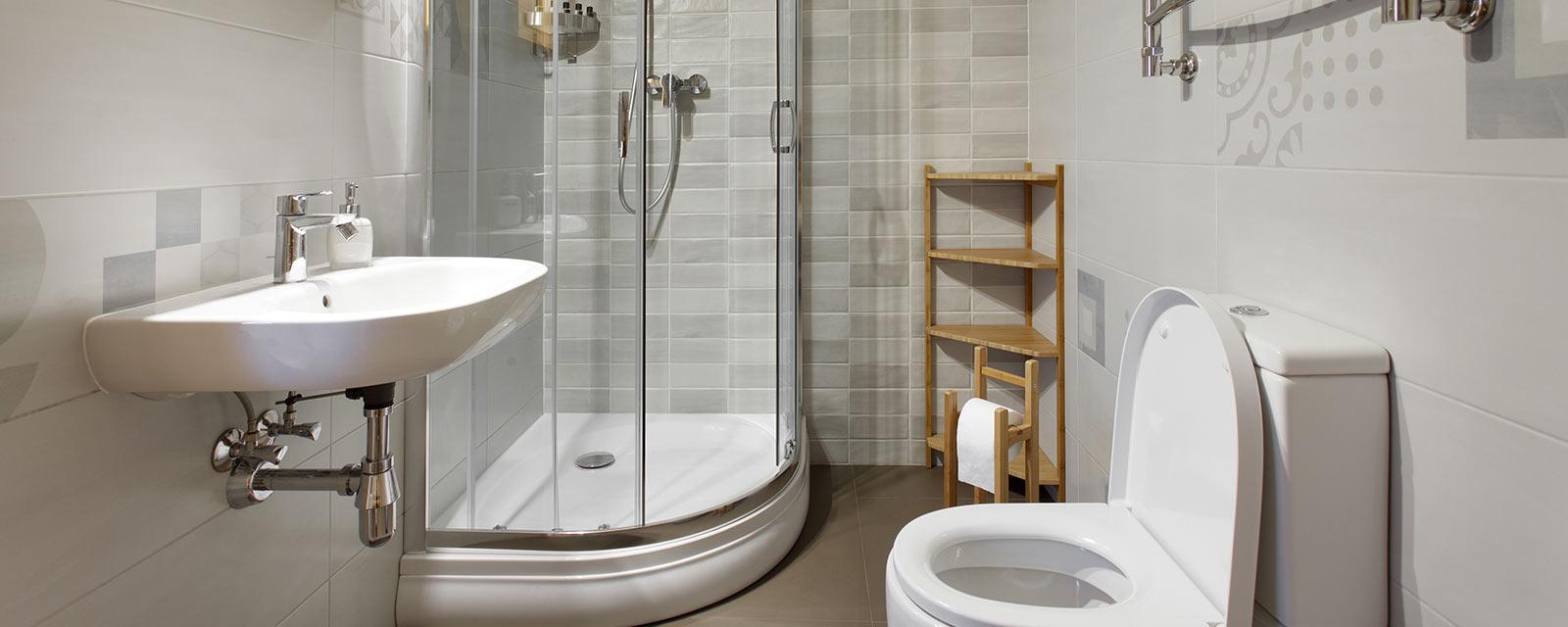 Conseils : aménager une petite salle de bains  Guide Artisan