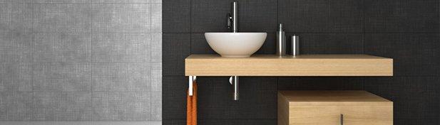 Tout savoir sur le bois dans la salle de bain guide artisan - Salle de bain ancienne bois ...