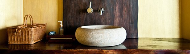 Tout savoir sur le bois dans la salle de bain guide artisan - Salle de bain pierre et bois ...